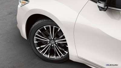 2016-nissan-maxima-18-inch-alloy-wheels-zoom-hd copy