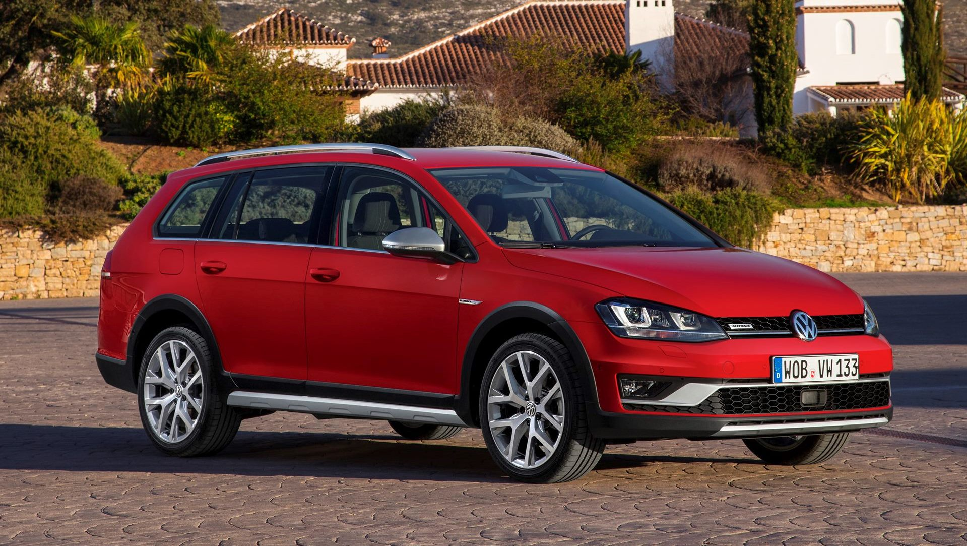 2017 volkswagen golf sportwagen alltrack in 30 new photos car revs. Black Bedroom Furniture Sets. Home Design Ideas
