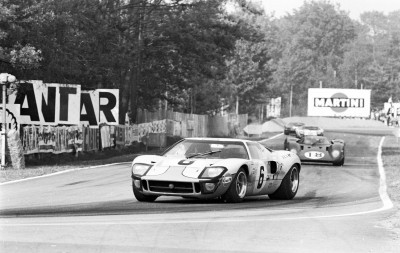 FordGT_Heritage_1969_LeMansWinningGT40InAction copy