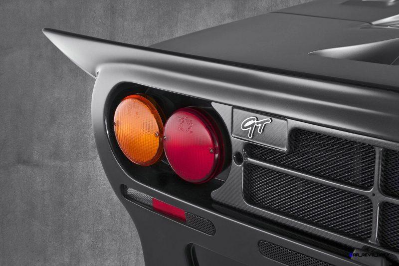 McLaren_F1_GT_Silver_Tailight badge detail copy