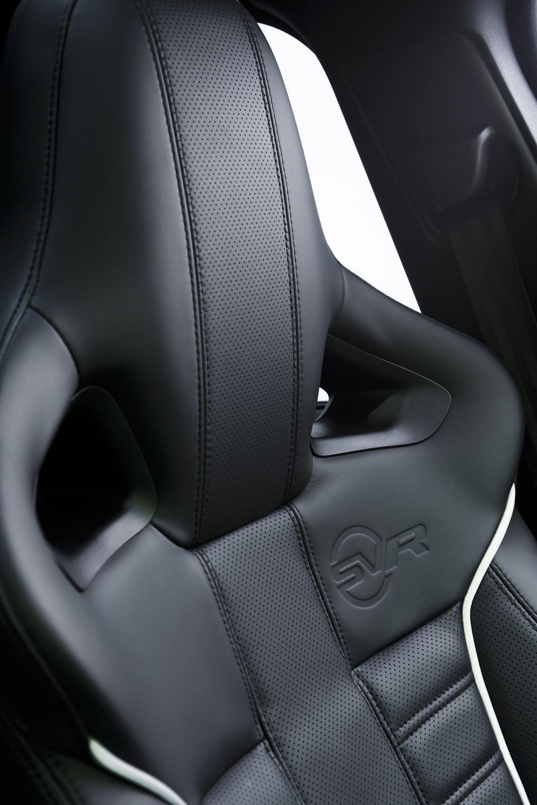 RR_Sport_SV-R_Details_Interiors_013_(109493)