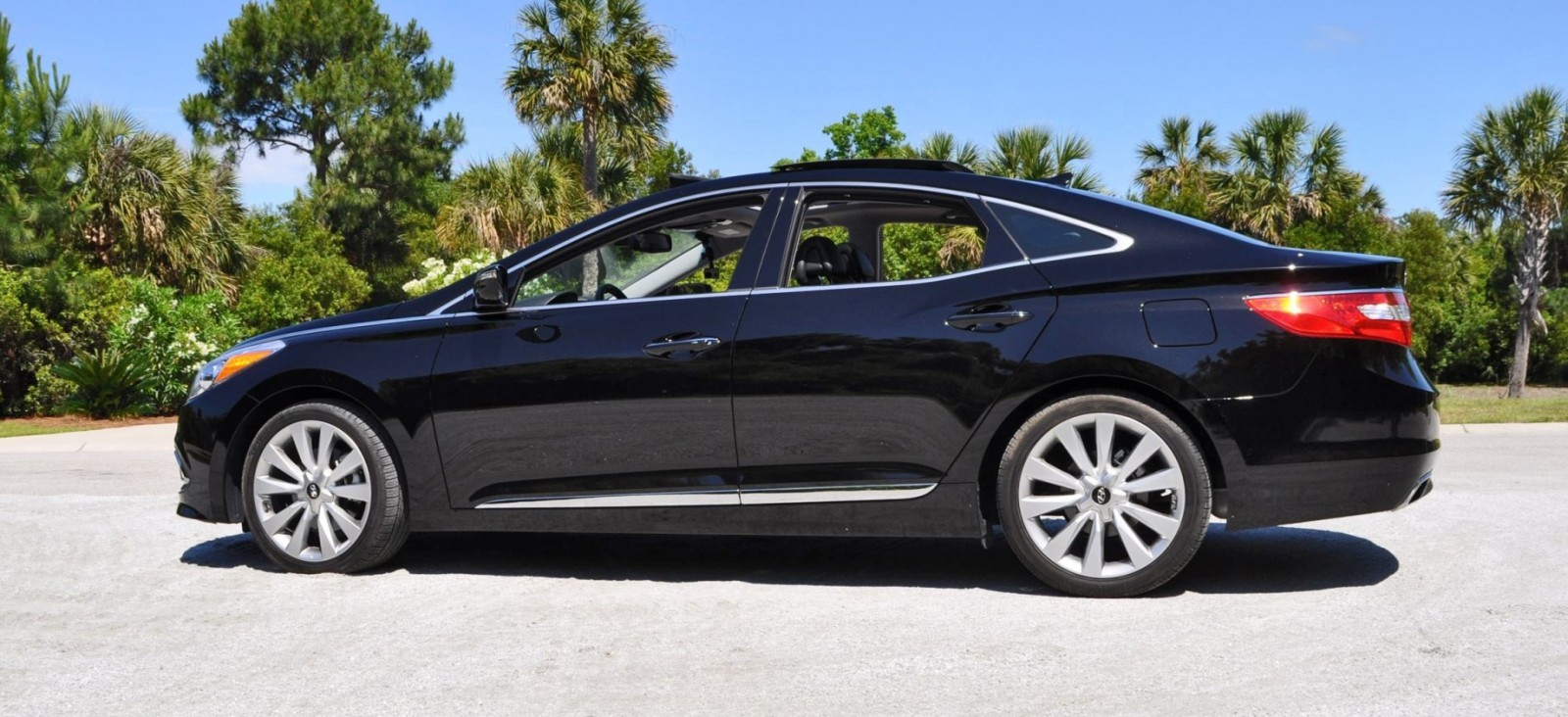 Road Test Review - 2015 Hyundai AZERA Limited 112