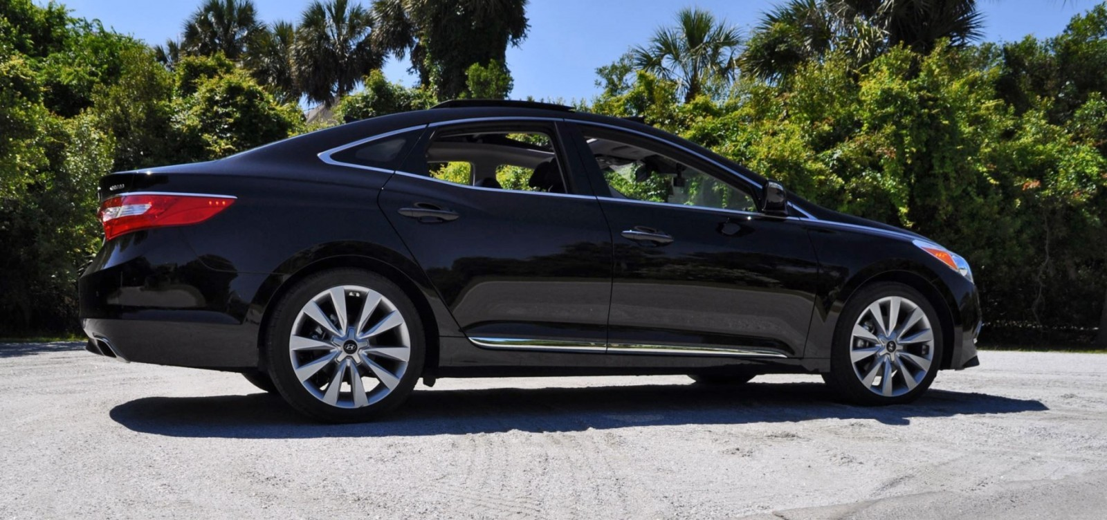 Road Test Review - 2015 Hyundai AZERA Limited 122