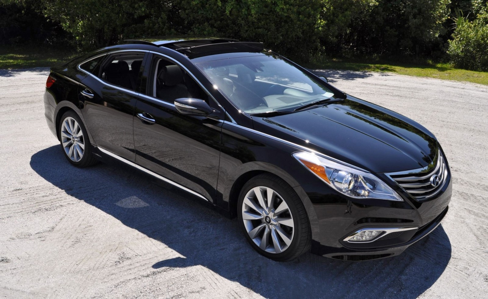 Road Test Review - 2015 Hyundai AZERA Limited 127