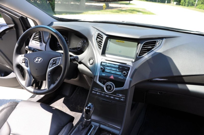 Road Test Review - 2015 Hyundai AZERA Limited 141