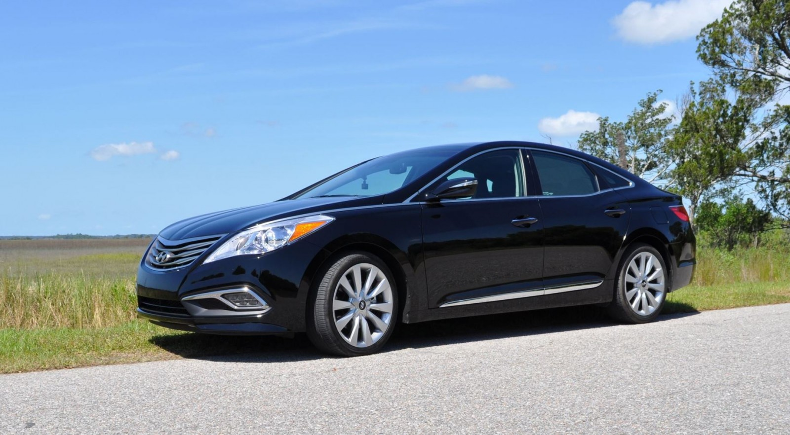 Road Test Review - 2015 Hyundai AZERA Limited 157