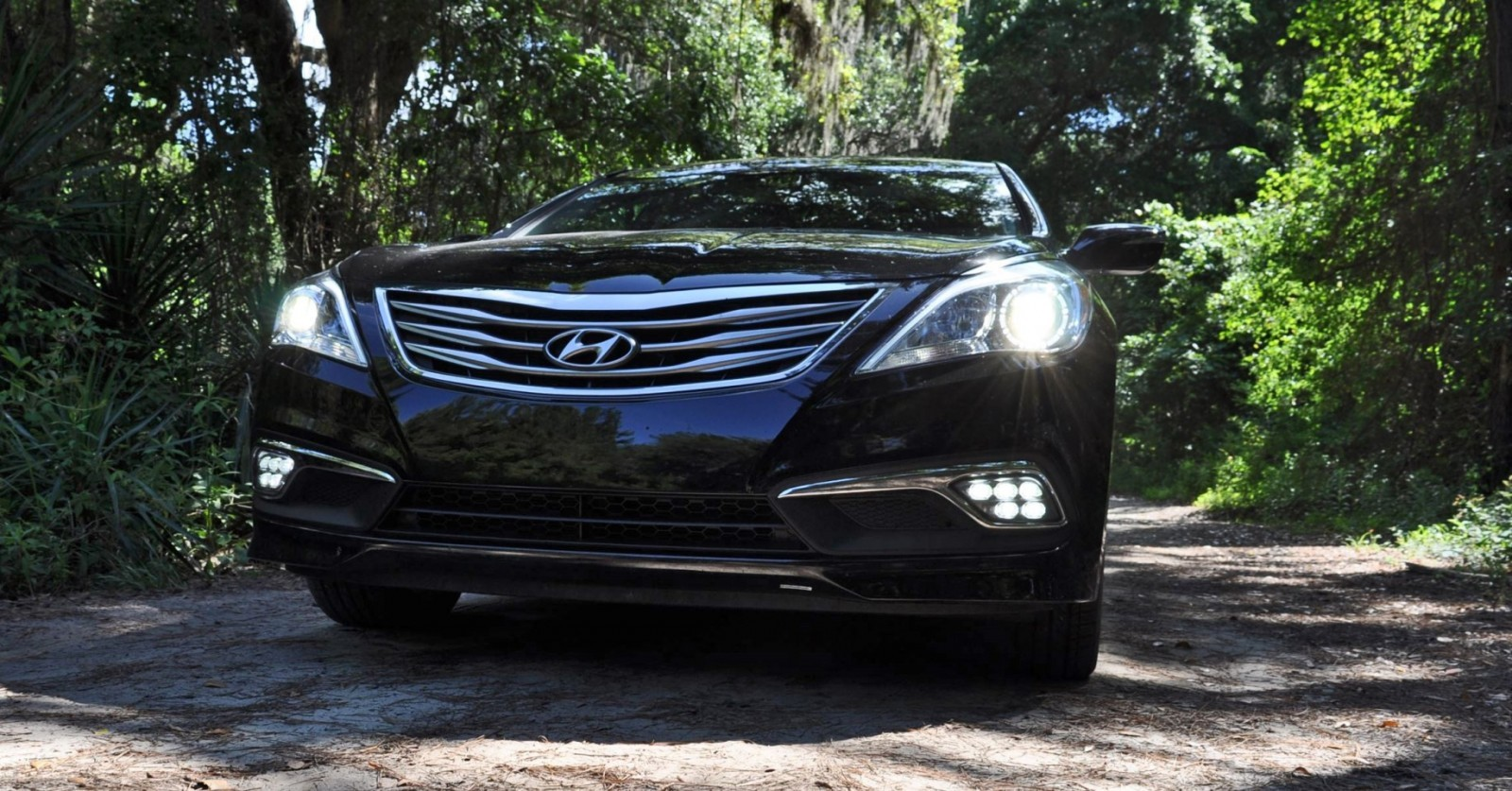 Road Test Review - 2015 Hyundai AZERA Limited 38