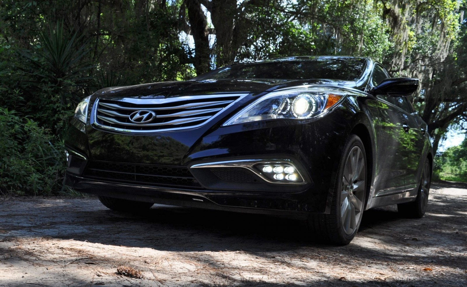 Road Test Review - 2015 Hyundai AZERA Limited 39