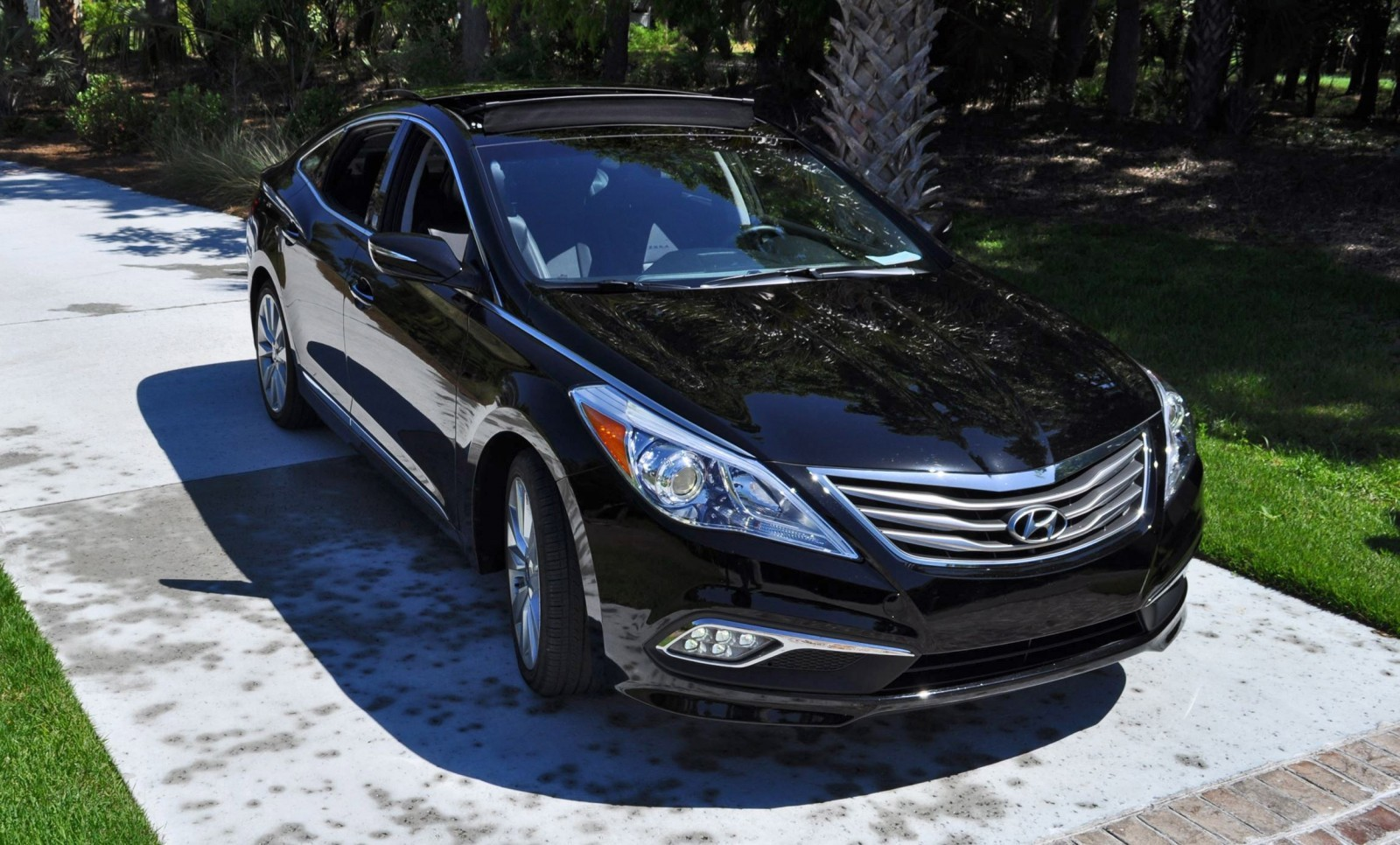 Road Test Review - 2015 Hyundai AZERA Limited 86