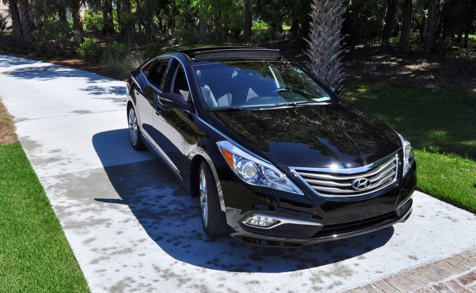 Road Test Review - 2015 Hyundai AZERA Limited 87