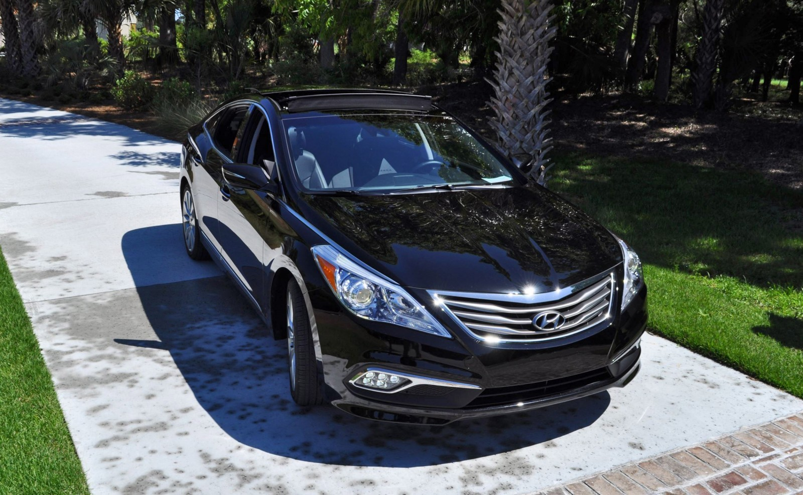Road Test Review - 2015 Hyundai AZERA Limited 88