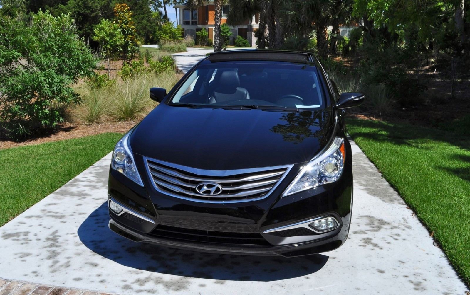 Road Test Review - 2015 Hyundai AZERA Limited 95