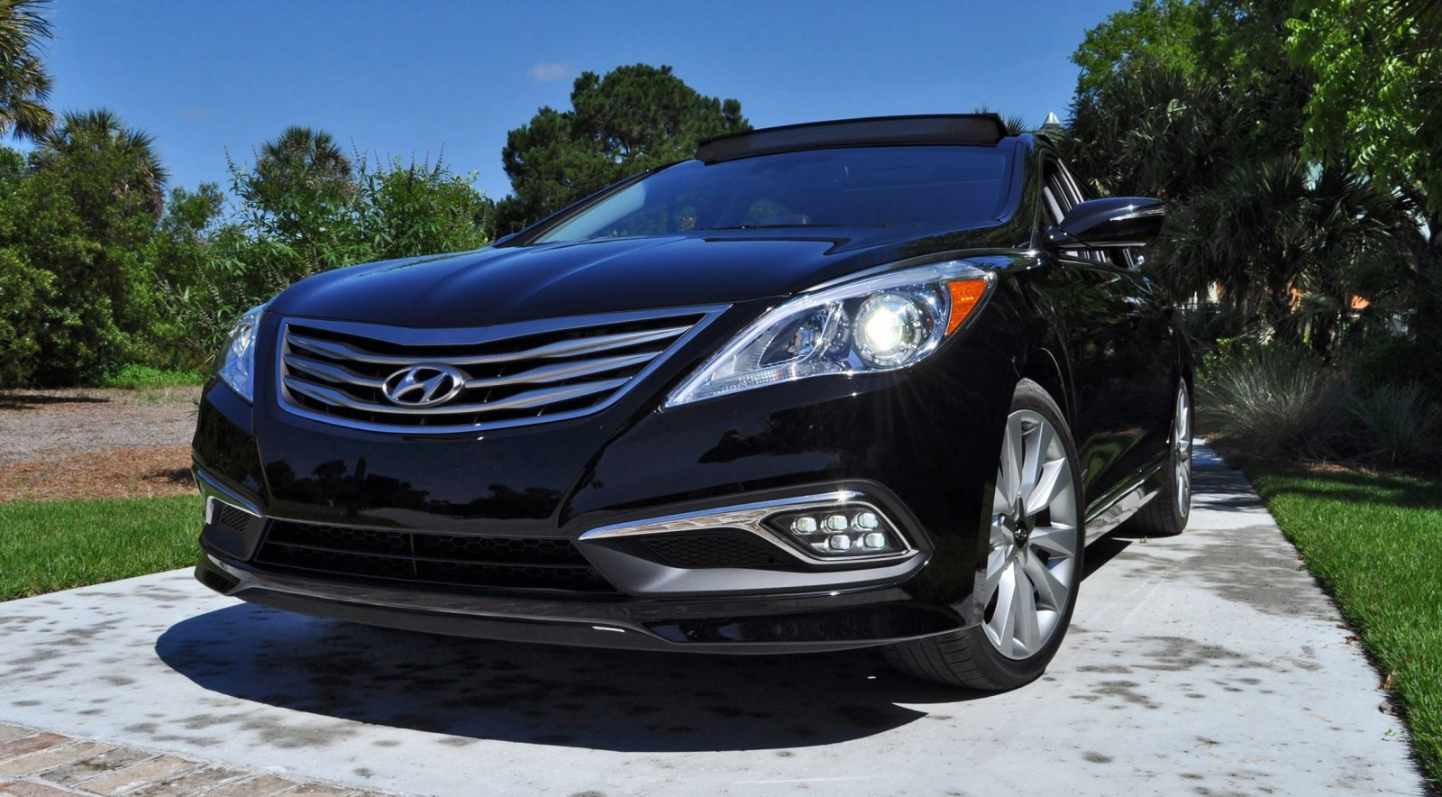 Road Test Review - 2015 Hyundai AZERA Limited 96