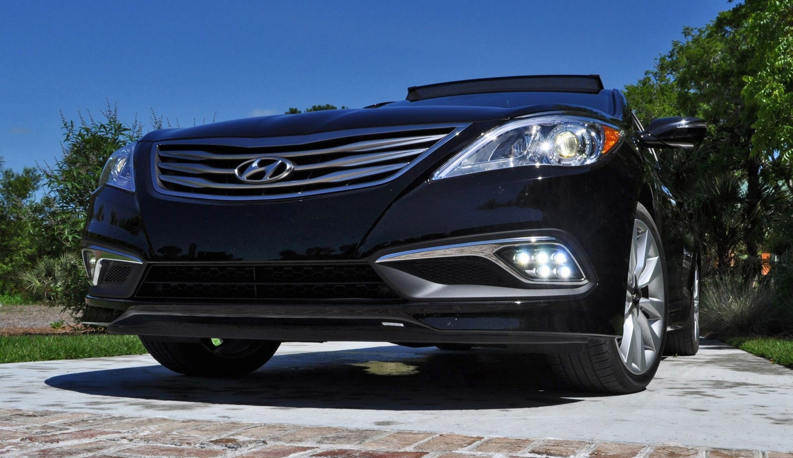 Road Test Review - 2015 Hyundai AZERA Limited 98