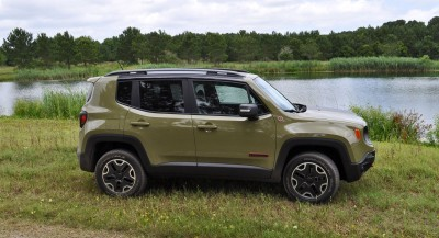 2015 Jeep RENEGADE Trailhawk Review 10