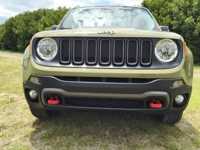 2015 Jeep RENEGADE Trailhawk Review 109