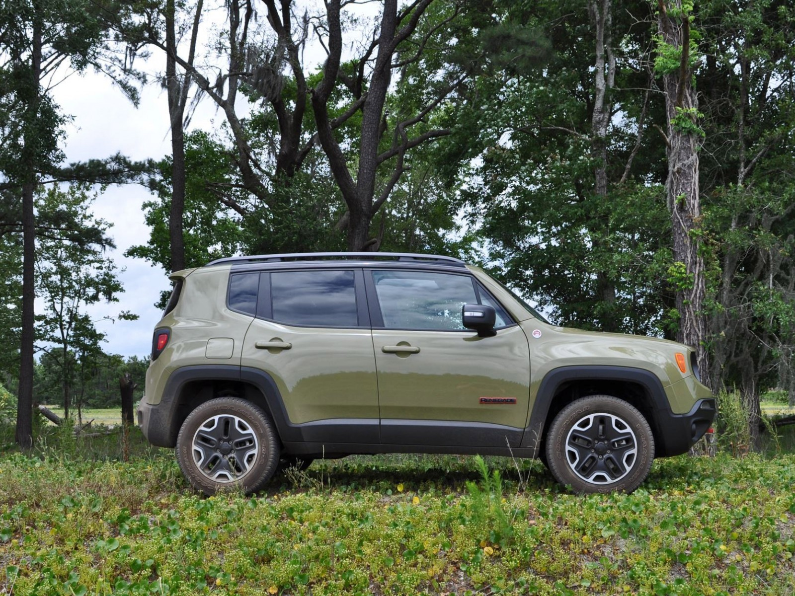 2015 jeep renegade trailhawk review 41. Black Bedroom Furniture Sets. Home Design Ideas