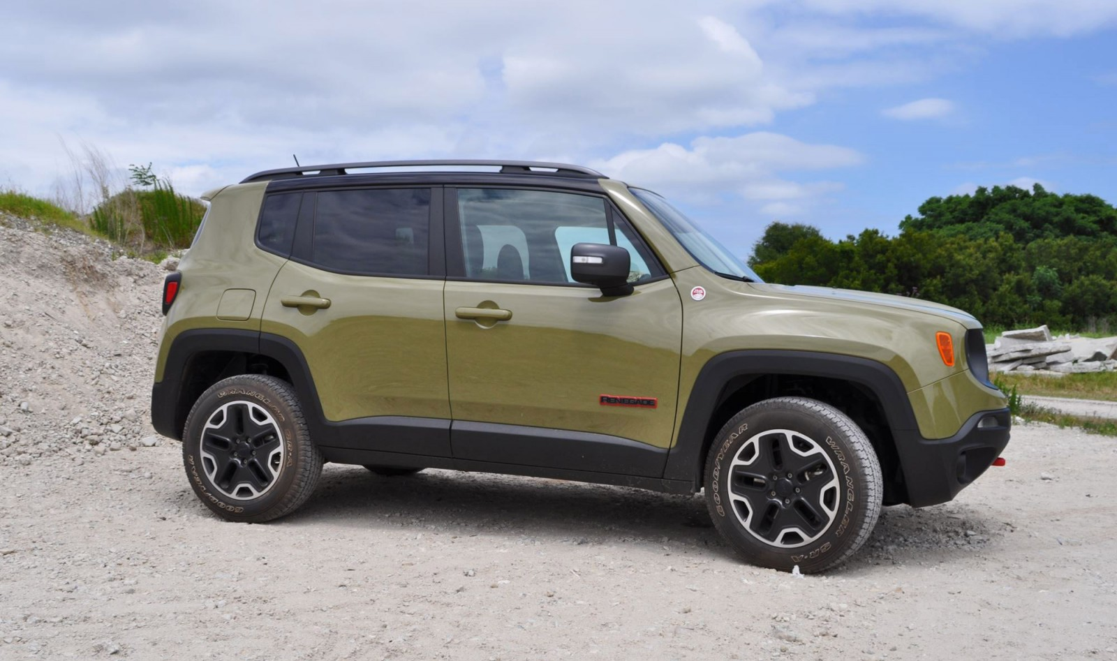 new jeep renegade 2015 review auto express autos post. Black Bedroom Furniture Sets. Home Design Ideas