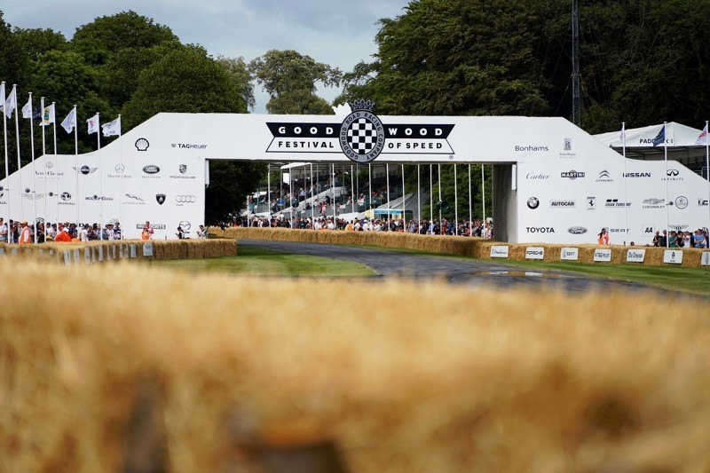 2015 Mazda LM55 Vision GT Tops Goodwood With 787B LeMans Legend 57