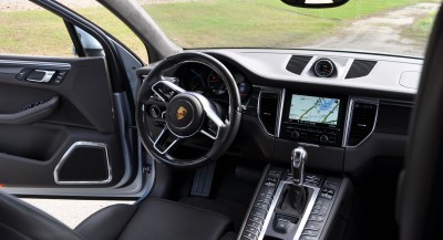 2015 Porsche MACAN TURBO Review Photos 2