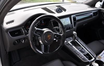 2015 Porsche MACAN TURBO Review Photos 33