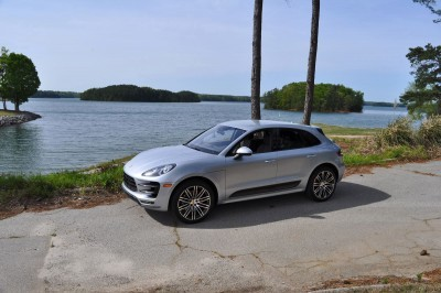 2015 Porsche MACAN TURBO Review Photos 45
