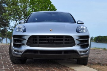 2015 Porsche MACAN TURBO Review Photos 52