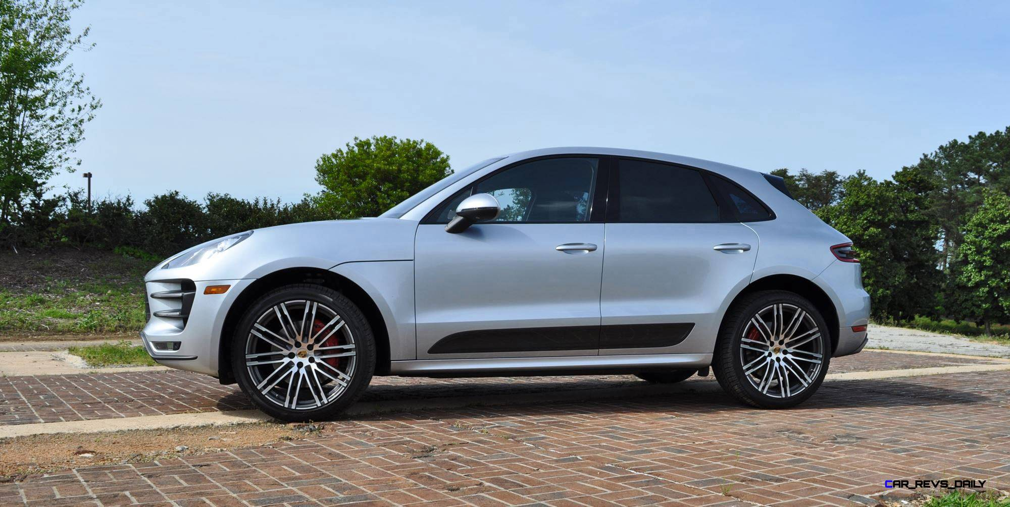 Innovative 2015 Porsche MACAN TURBO Review