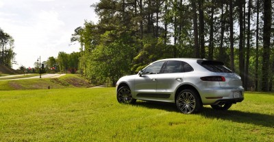 2015 Porsche Macan Turbo Review 28
