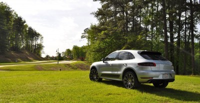2015 Porsche Macan Turbo Review 30
