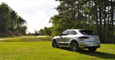 2015 Porsche Macan Turbo Review 31