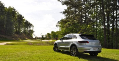2015 Porsche Macan Turbo Review 32