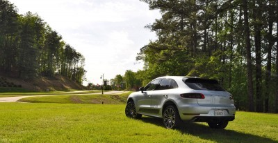 2015 Porsche Macan Turbo Review 33