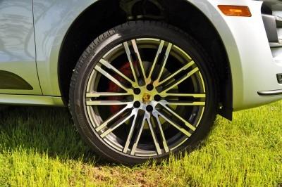2015 Porsche Macan Turbo Review 41
