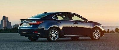 2016_Lexus_ES_300h_005_C1487D3EA92F836207F74547B951F15433B5F415 copy