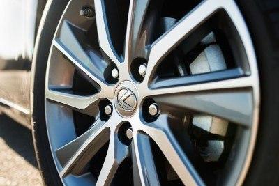 2016_Lexus_ES_300h_012_52F611A742A875E19DEEF6C15566518DAD56DF0C