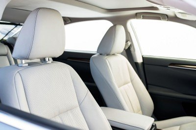 2016_Lexus_ES_350_018_6DA6C06E20BE54B12CE4B45C1FFBBFB86441AE47