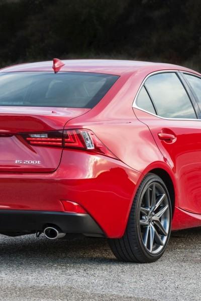 2016_Lexus_IS_200t_F_SPORT_003_FBCA37AC29FC30E6D92661B58DC003B049ACE342