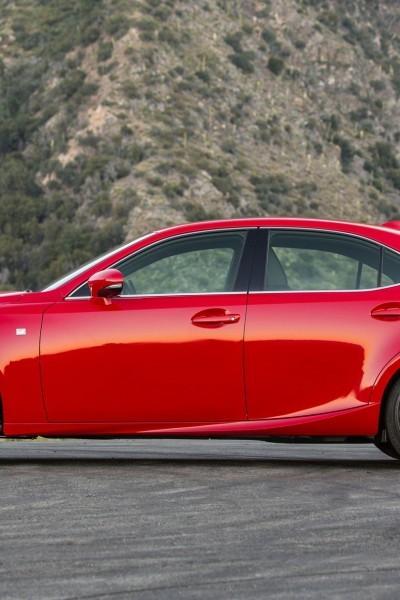 2016_Lexus_IS_200t_F_SPORT_008_8453DE18FCD713C9F72CE465CB70D1C42A01985D