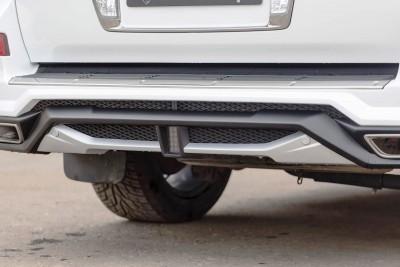 LARTE Design Lexus LX570 Alligator Bodykit White 11