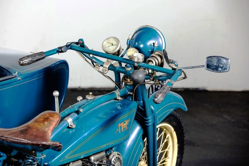 1925 Henderson De Luxe with Goulding Sidecar 4
