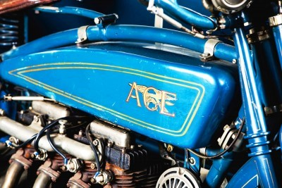 1925 Henderson De Luxe with Goulding Sidecar 6