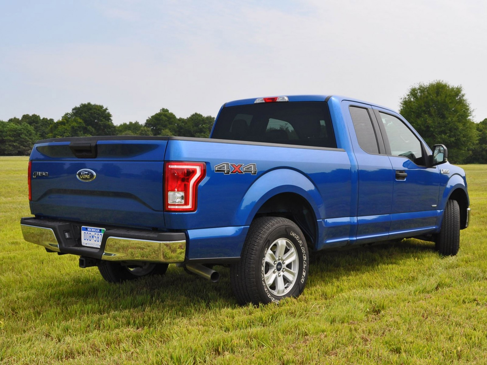 2015 ford f 150 xlt 4x4 supercab 2 7l ecoboost 18. Black Bedroom Furniture Sets. Home Design Ideas