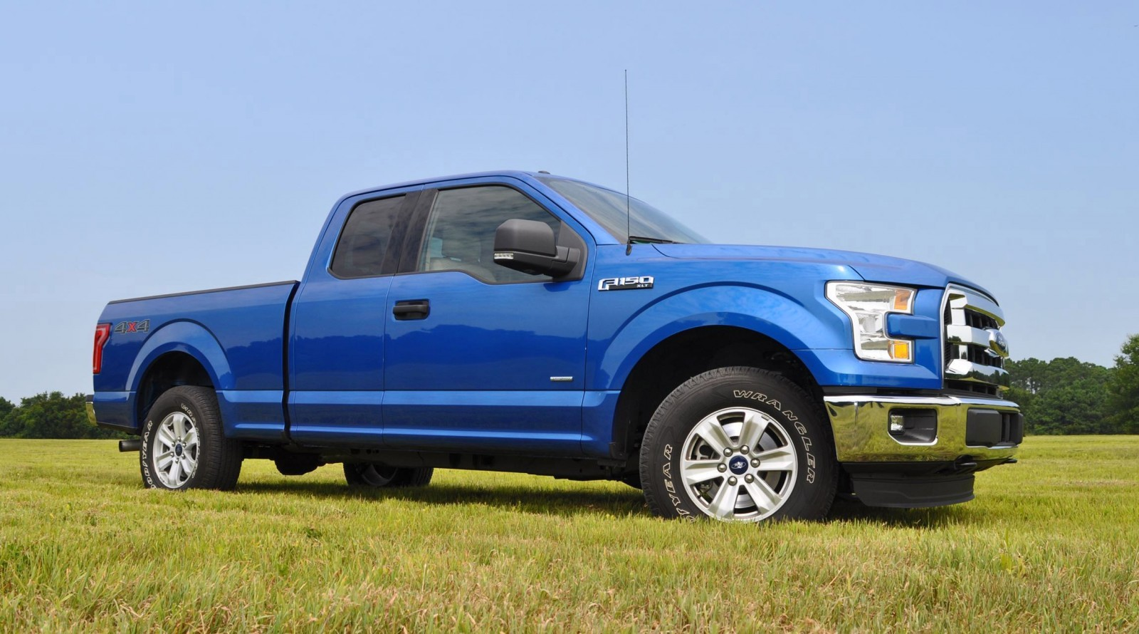 2015 ford f 150 xlt 4x4 supercab 2 7l ecoboost 9. Black Bedroom Furniture Sets. Home Design Ideas