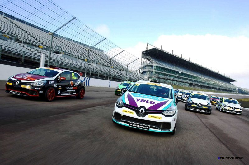 Renault Clio Cup tracking photography