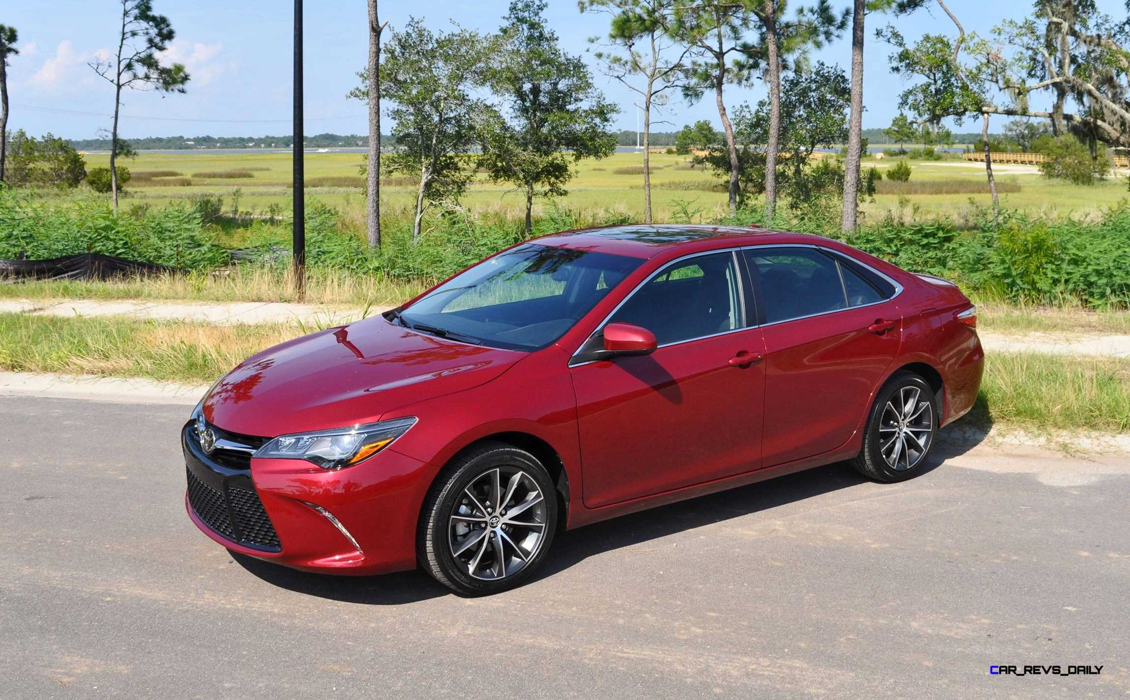 2015 toyota camry xse red 24. Black Bedroom Furniture Sets. Home Design Ideas