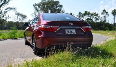 2015 Toyota Camry XSE Red 30