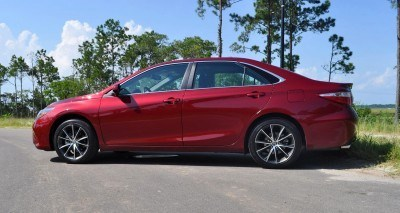 2015 Toyota Camry XSE Red 35