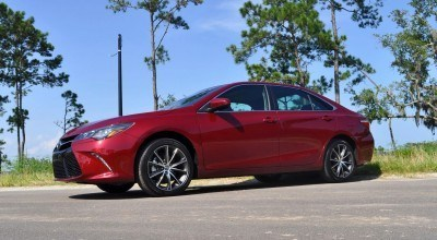 2015 Toyota Camry XSE Red 37