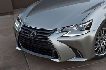 2016 Lexus GS200t 10